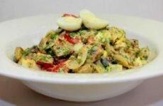 Простой салат из баклажан