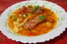 Суп с копченостями (с фасолью)