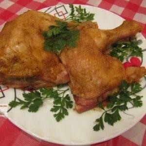 Рецепт приготовления куриных окорочков (фаршированных сыром и чесноком)