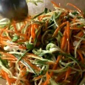 Самое время делать простые салаты из огурцов