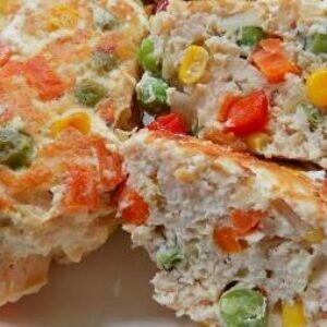 Куриные котлеты с овощами в сливочном соусе