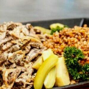 Отличный ужин из говядины с гарниром из гречки