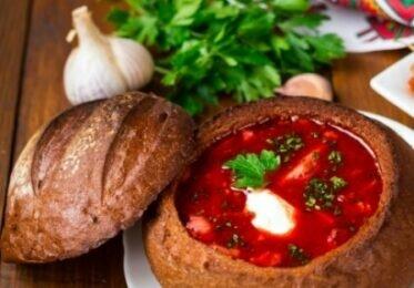 Учимся готовить украинский борщ с интересной подачей