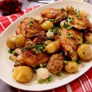 Праздничный рецепт запеченных куриных бедрышек