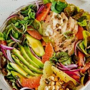 Безумно вкусный, полезный салат с куриной грудкой авокадо и цитрусовыми